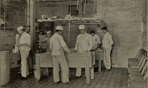 File:Cheddar cheese making (1895) (20417140569).jpg - Wikimedia ...